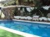 piscina-rural-barbacoa-cesped