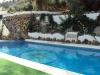 piscina-rural-barbacoa-cesped